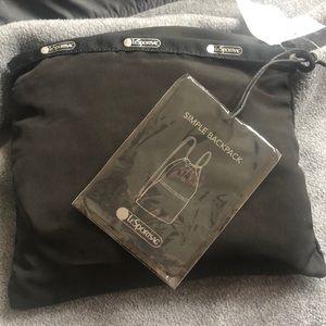 Simple Backpack True Black